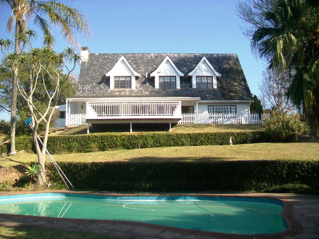 Kloof property for sale. Ref No: 13505110. Picture no 1