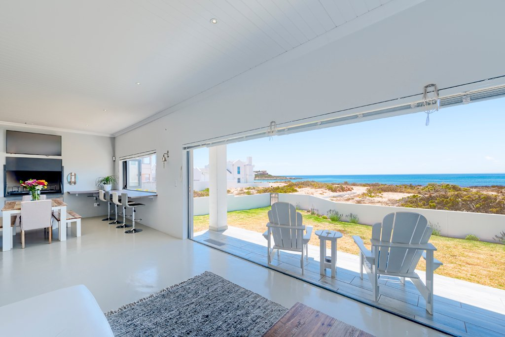 Property and Houses for sale in Britannia Bay, House, 4 Bedrooms - ZAR 4,450,000