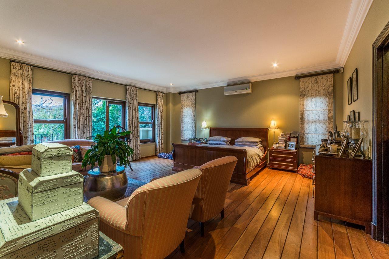Dainfern Golf Estate property for sale. Ref No: 13521259. Picture no 16