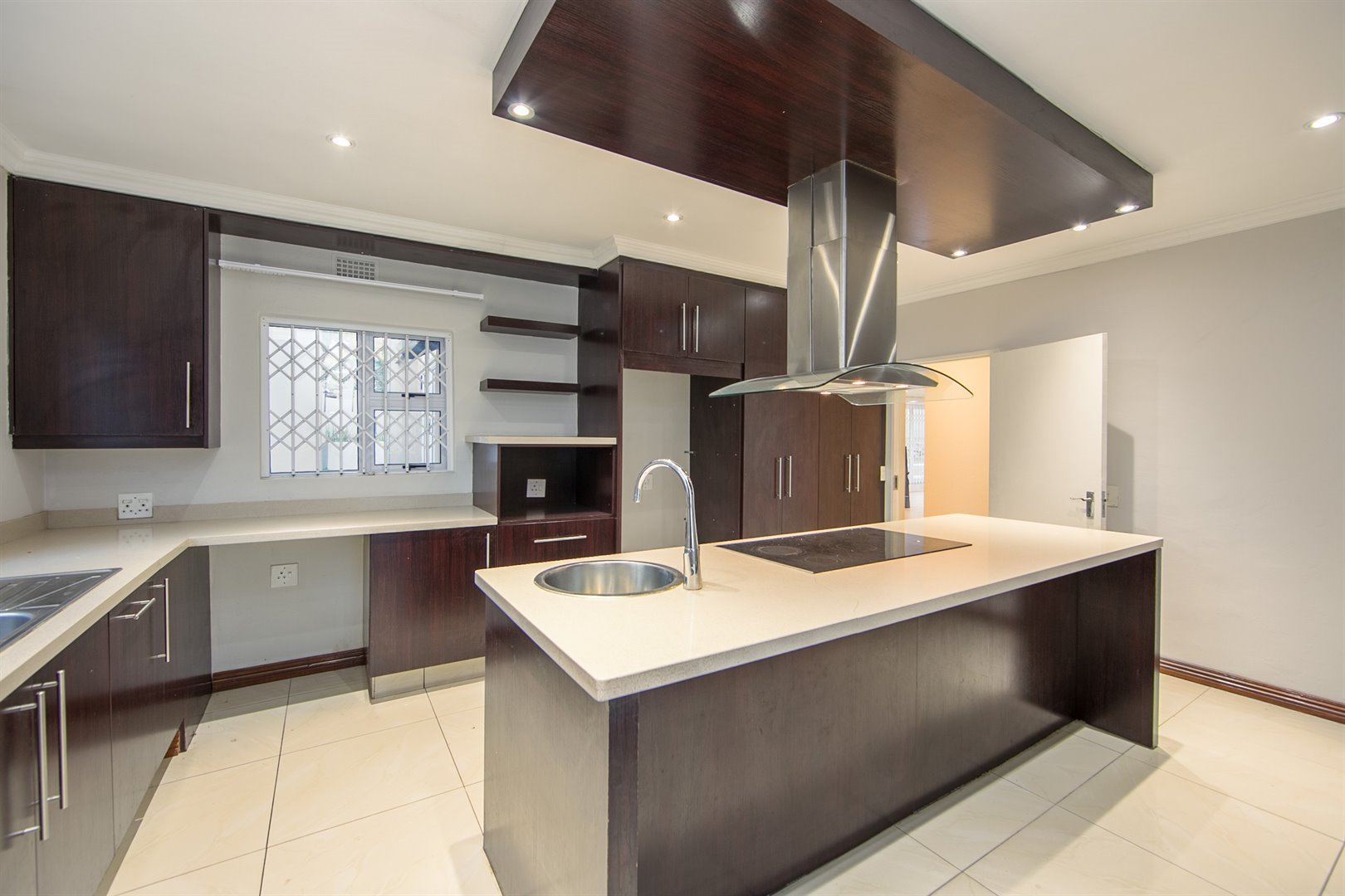 Lonehill property for sale. Ref No: 13510684. Picture no 4