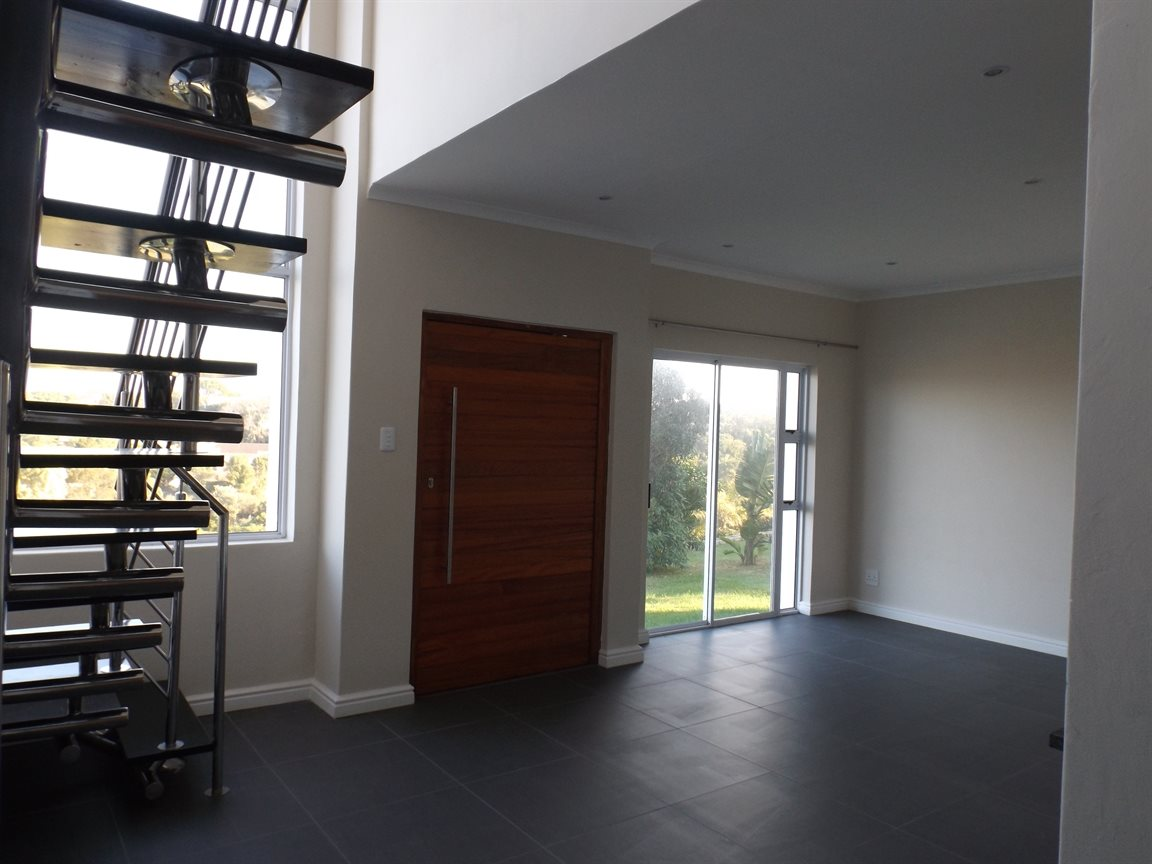 Beacon Bay property for sale. Ref No: 13362713. Picture no 1