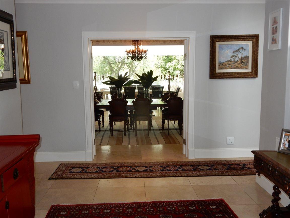 Bryanston property for sale. Ref No: 13290662. Picture no 9