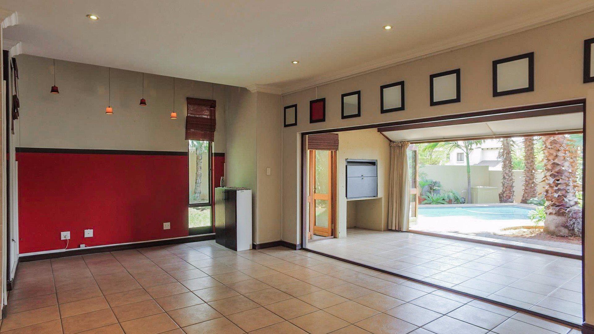 Irene View Estate property for sale. Ref No: 13519995. Picture no 4