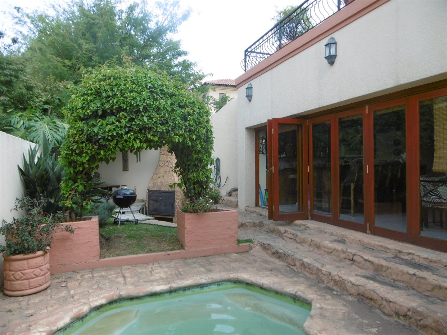 Bryanston property for sale. Ref No: 13464144. Picture no 24