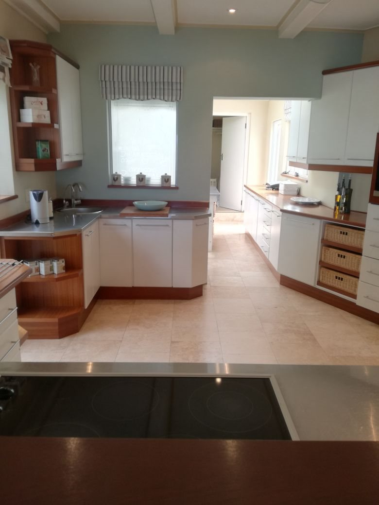 Beacon Bay property for sale. Ref No: 13566308. Picture no 13