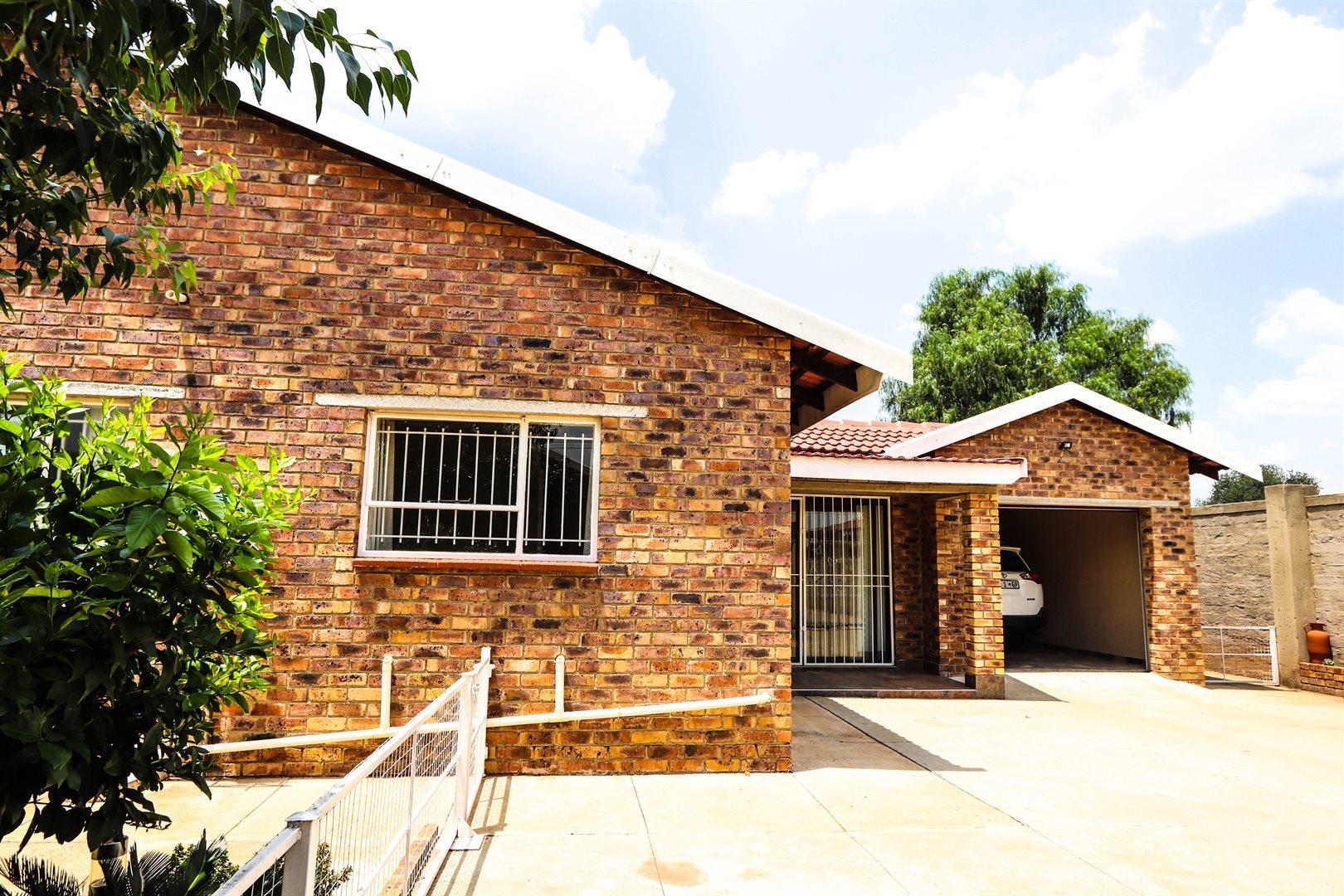Meyerton, Rothdene Property    Houses For Sale Rothdene, Rothdene, House 3 bedrooms property for sale Price:995,000
