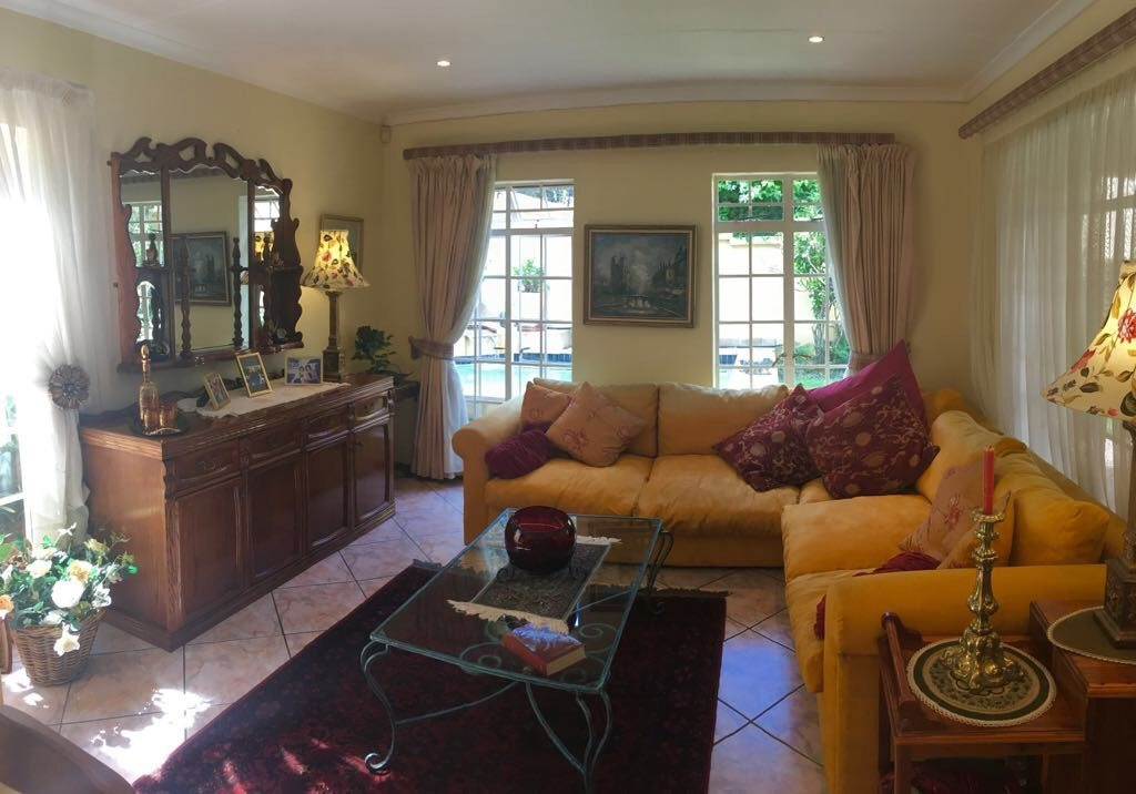 Olivedale property for sale. Ref No: 13561394. Picture no 2