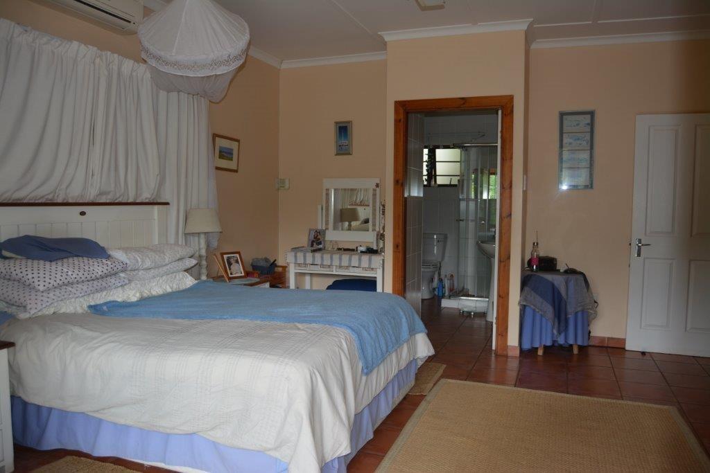 Umtentweni property for sale. Ref No: 13278177. Picture no 15