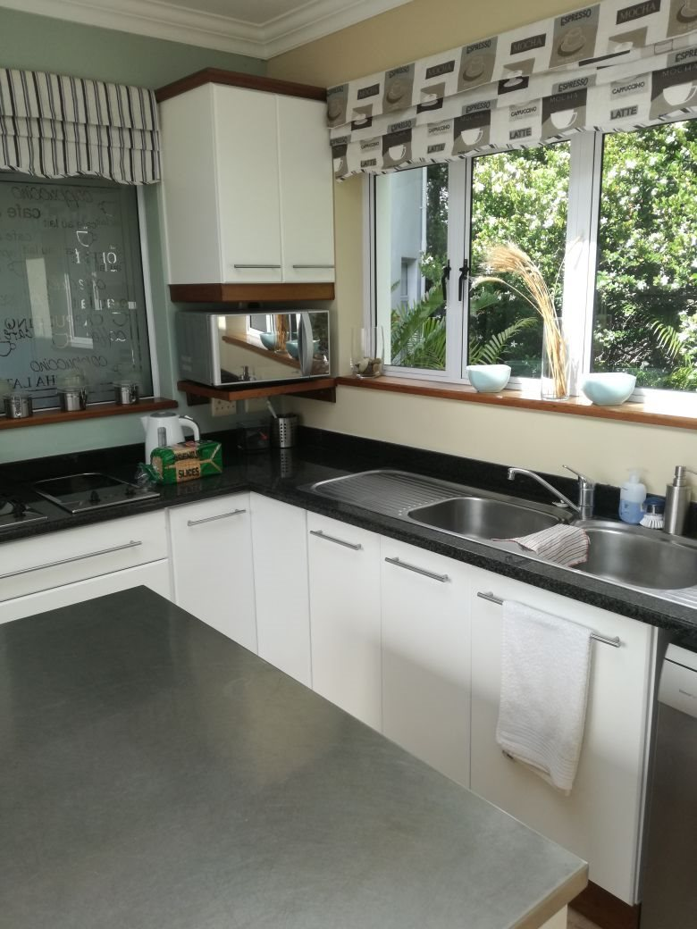 Beacon Bay property for sale. Ref No: 13566308. Picture no 12