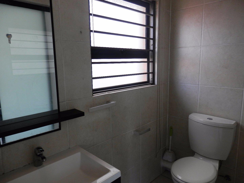 Oakdene property for sale. Ref No: 13510278. Picture no 5