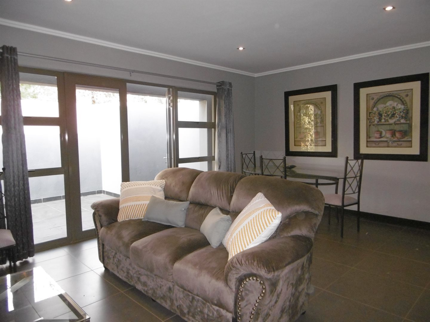 Bryanston property to rent. Ref No: 13504988. Picture no 7