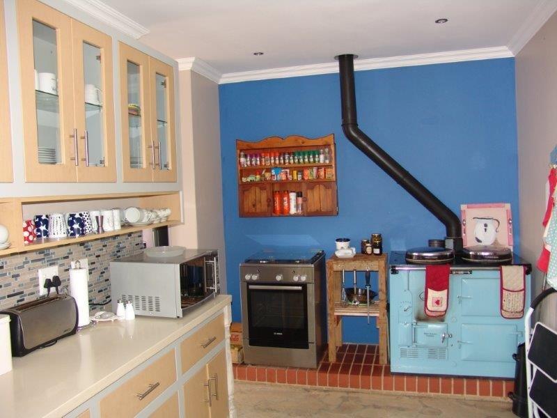 Midfield Estate property for sale. Ref No: 13319676. Picture no 3