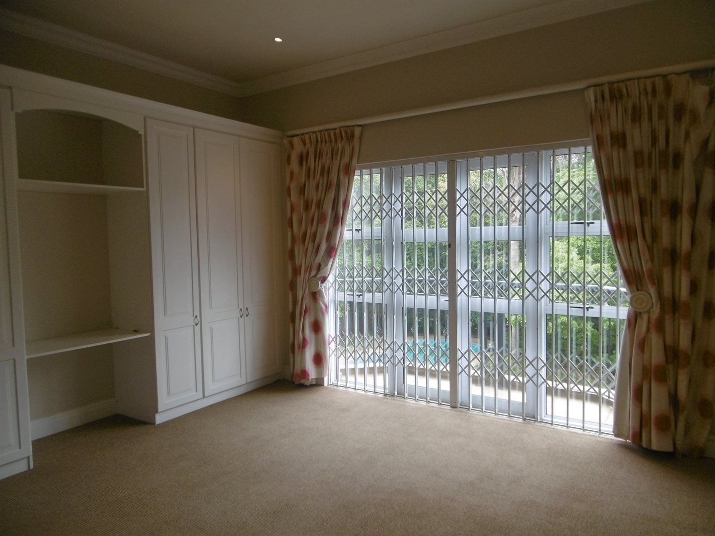 River Club property to rent. Ref No: 13552407. Picture no 18