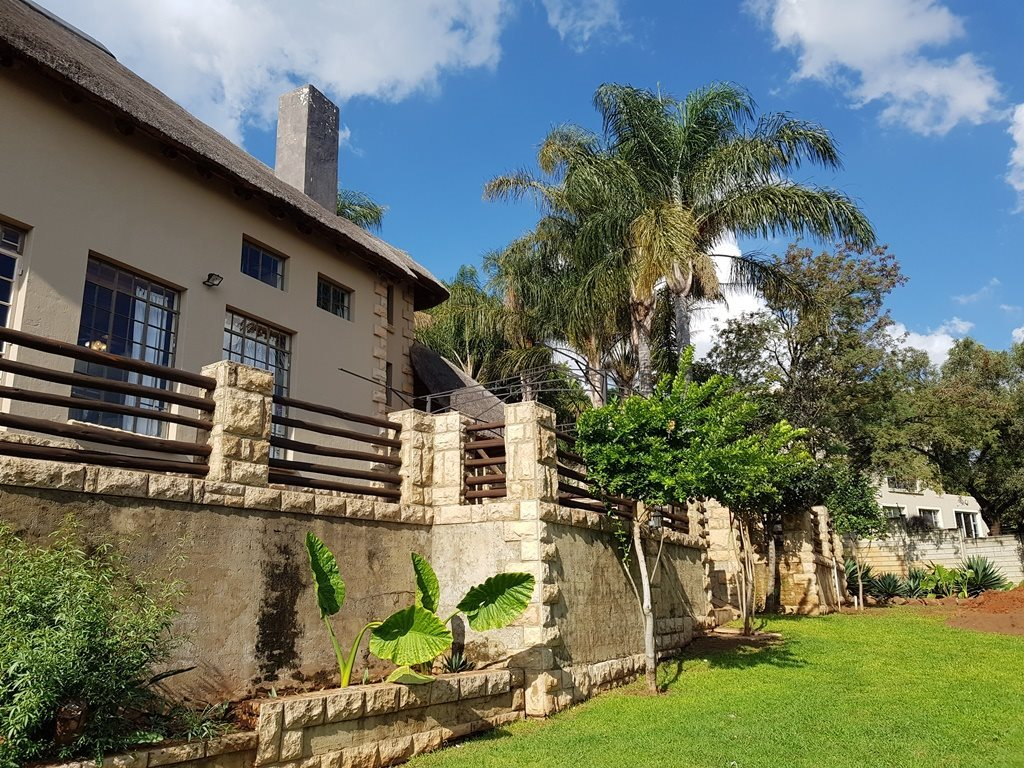 Property and Houses for sale in Faerie Glen, House, 4 Bedrooms - ZAR 2,950,000