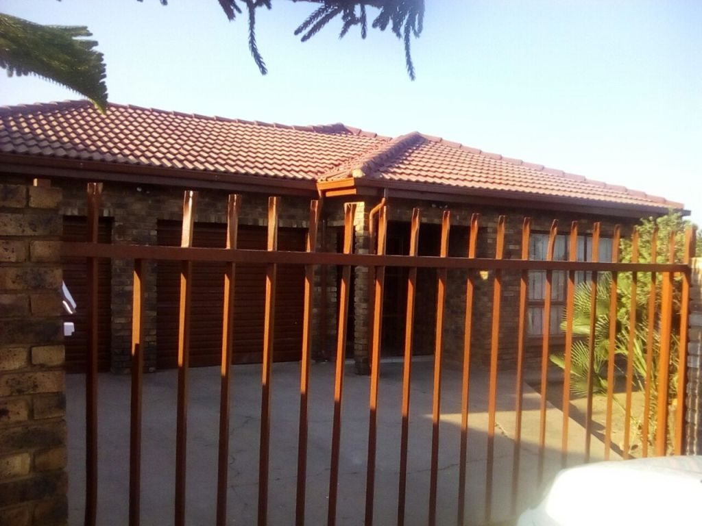 Pretoria, Soshanguve Property  | Houses For Sale Soshanguve, Soshanguve, House 3 bedrooms property for sale Price:700,000