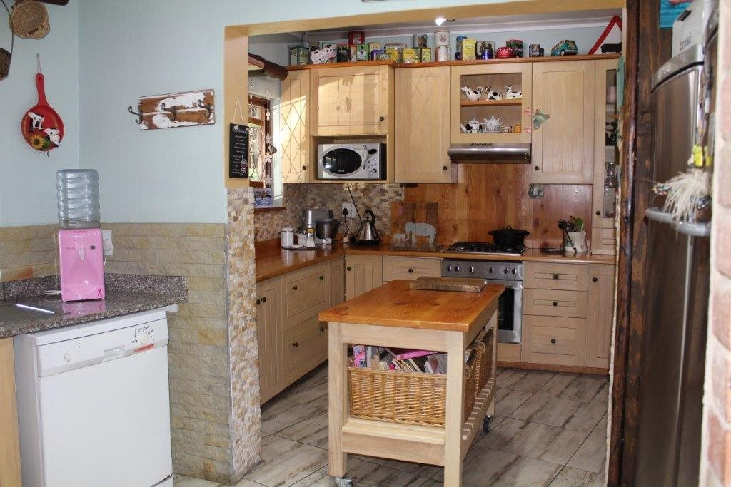 Margate property for sale. Ref No: 13491562. Picture no 15