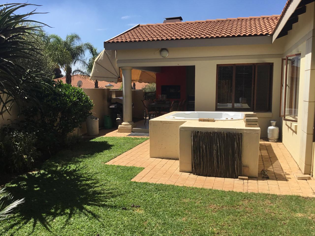 Silver Lakes Golf Estate property for sale. Ref No: 13460197. Picture no 1