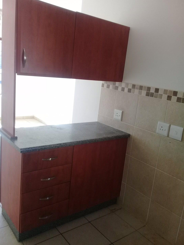 Brackenham property for sale. Ref No: 13528097. Picture no 5