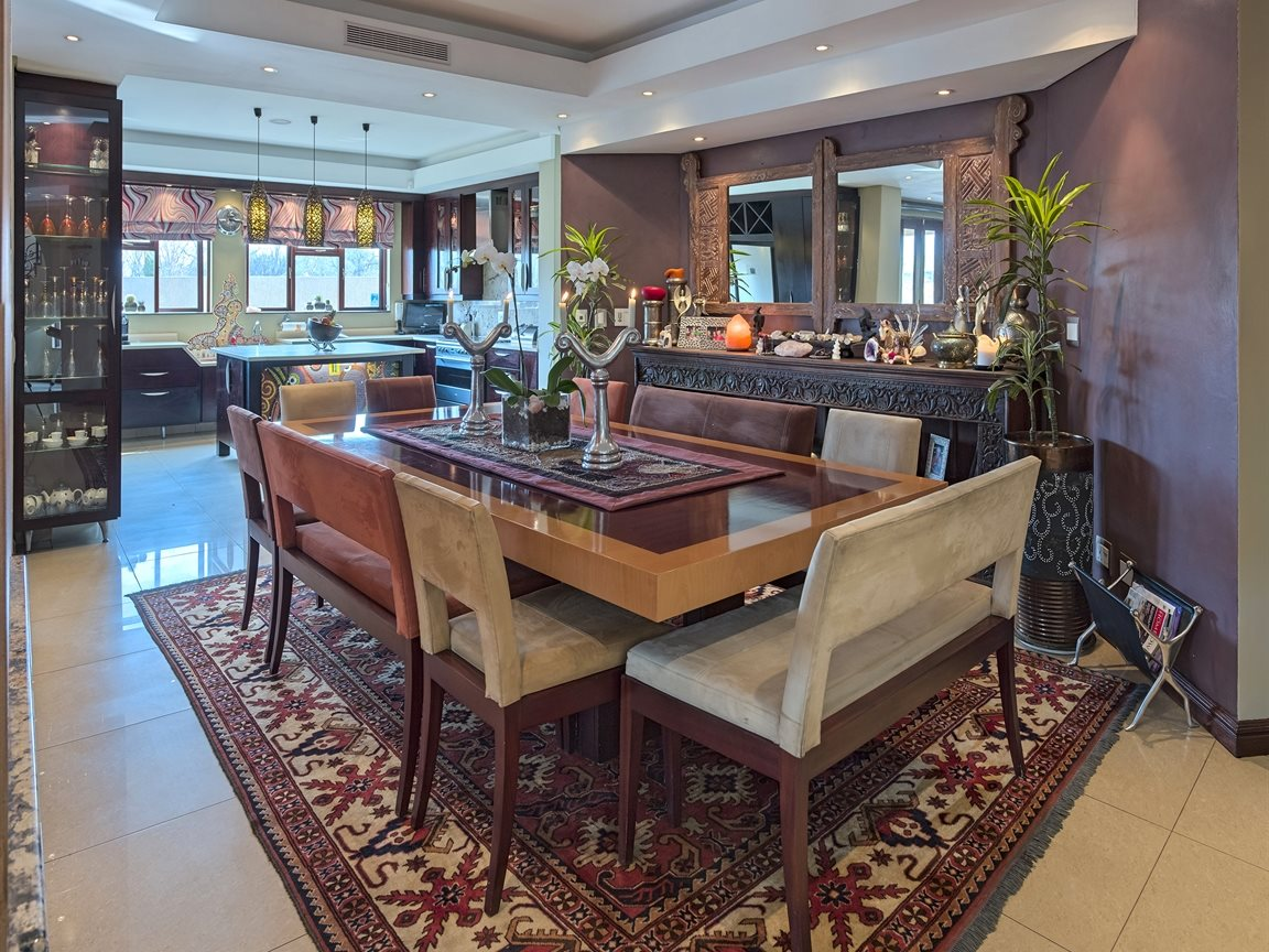 Three Rivers East property for sale. Ref No: 13240975. Picture no 9