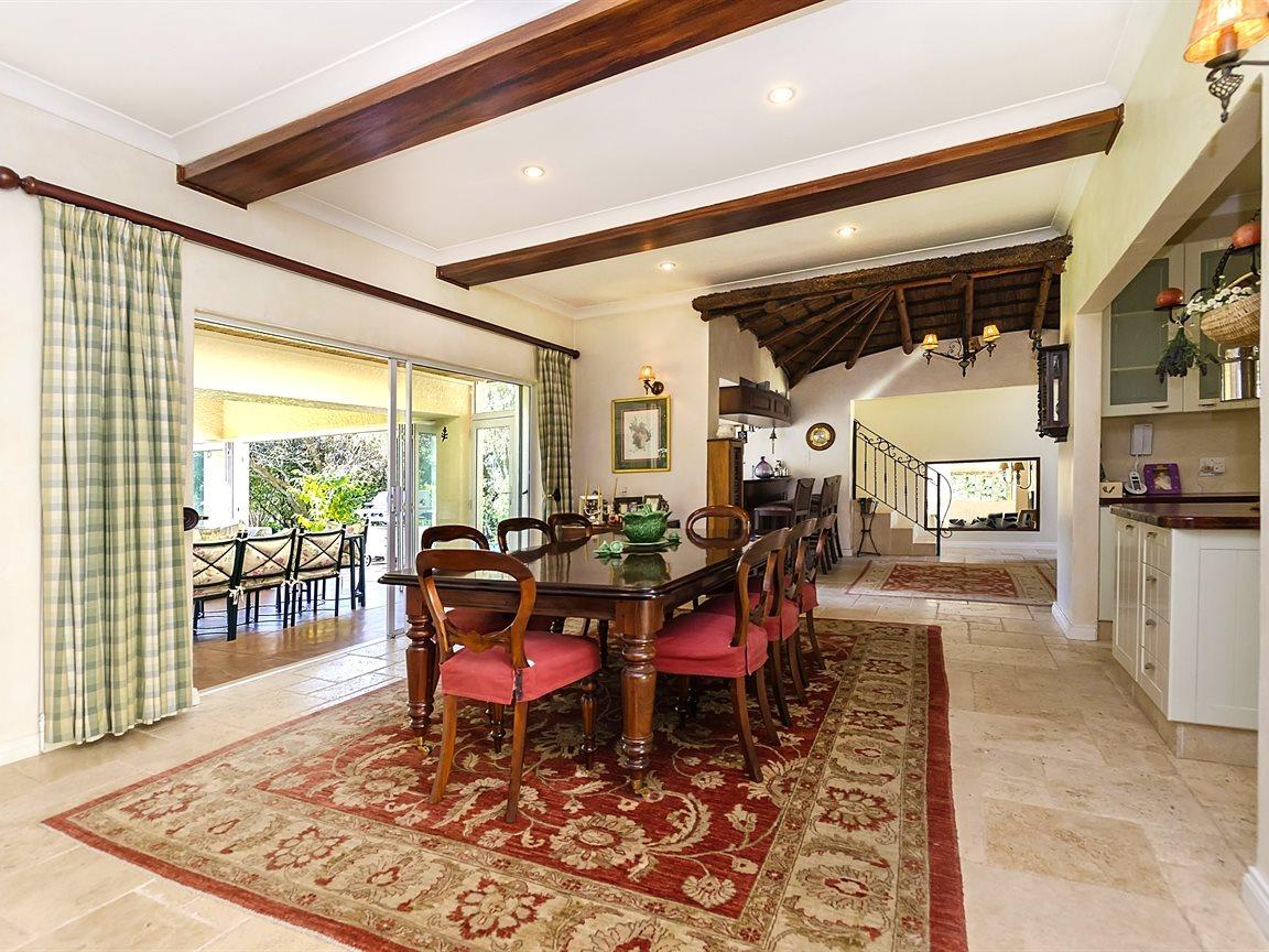 Bryanston property for sale. Ref No: 13434555. Picture no 6
