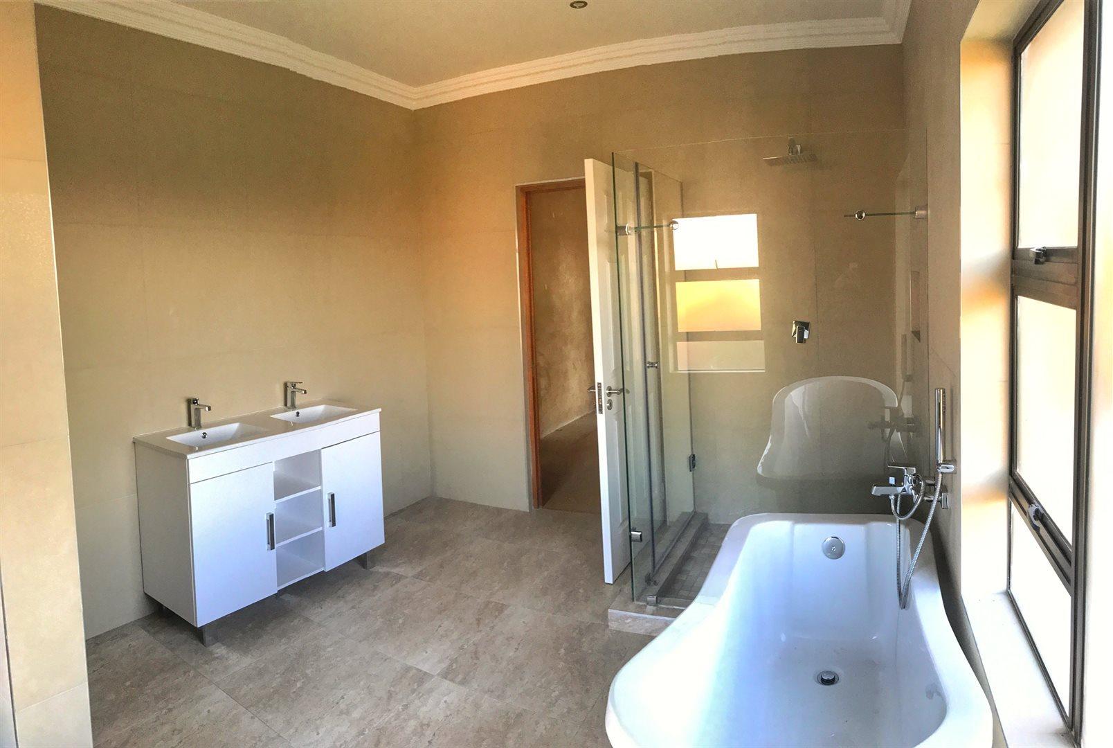 Stone Ridge Country Estate property for sale. Ref No: 13488396. Picture no 6