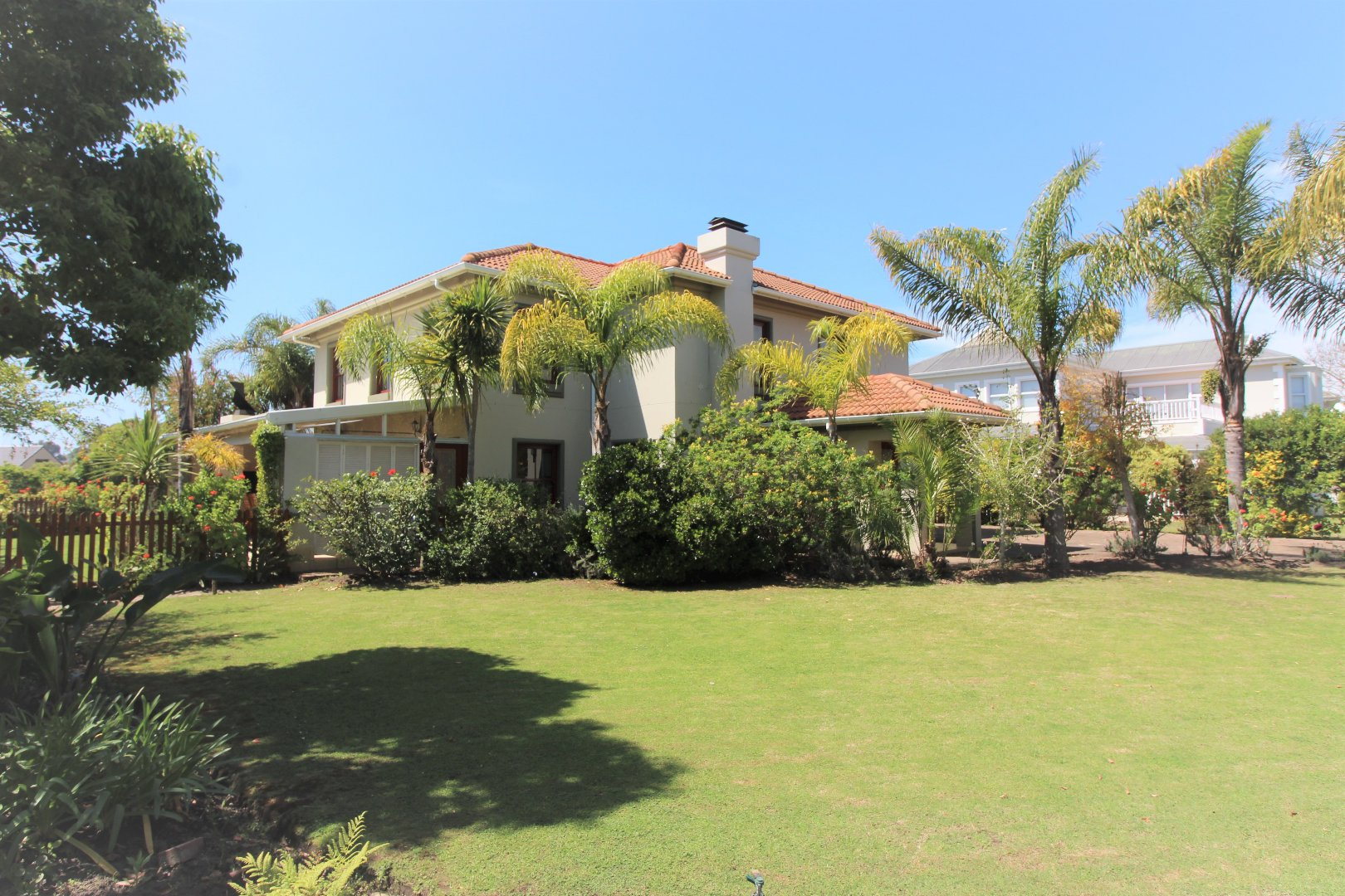 Property for Sale by DLC INC. ATTORNEYS Dale Hobbs, House, 6 Bedrooms - ZAR 6,895,000