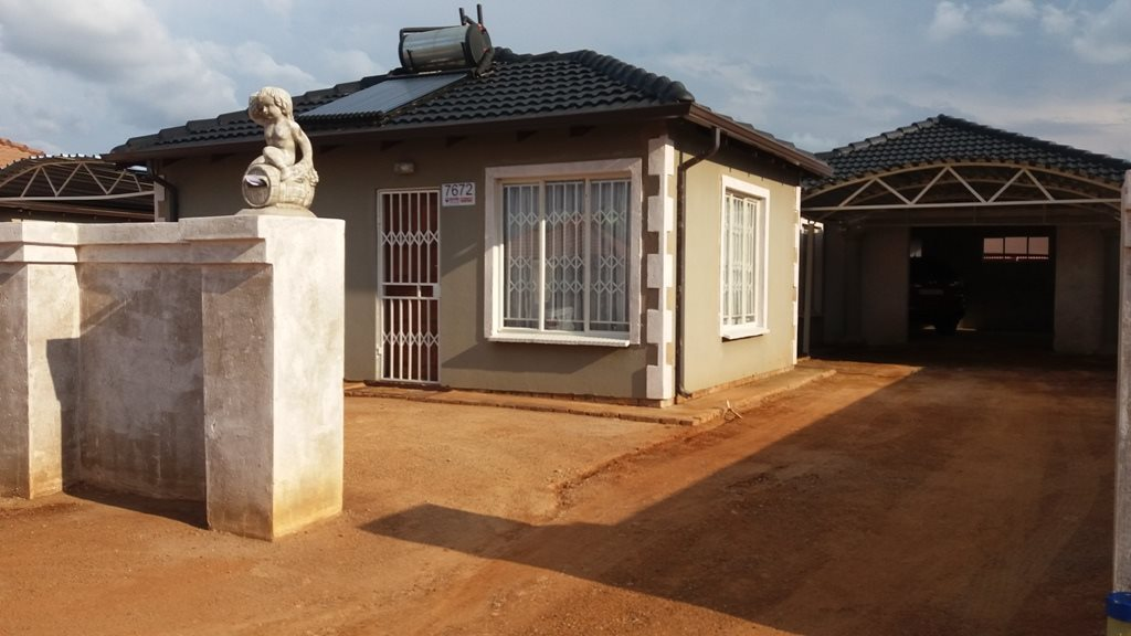 Property and Houses for sale in Klerksoord, House, 3 Bedrooms - ZAR 900,000