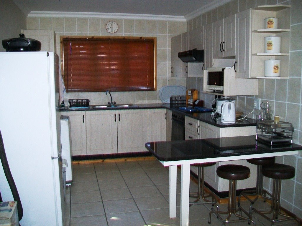 Margate property for sale. Ref No: 13488280. Picture no 19