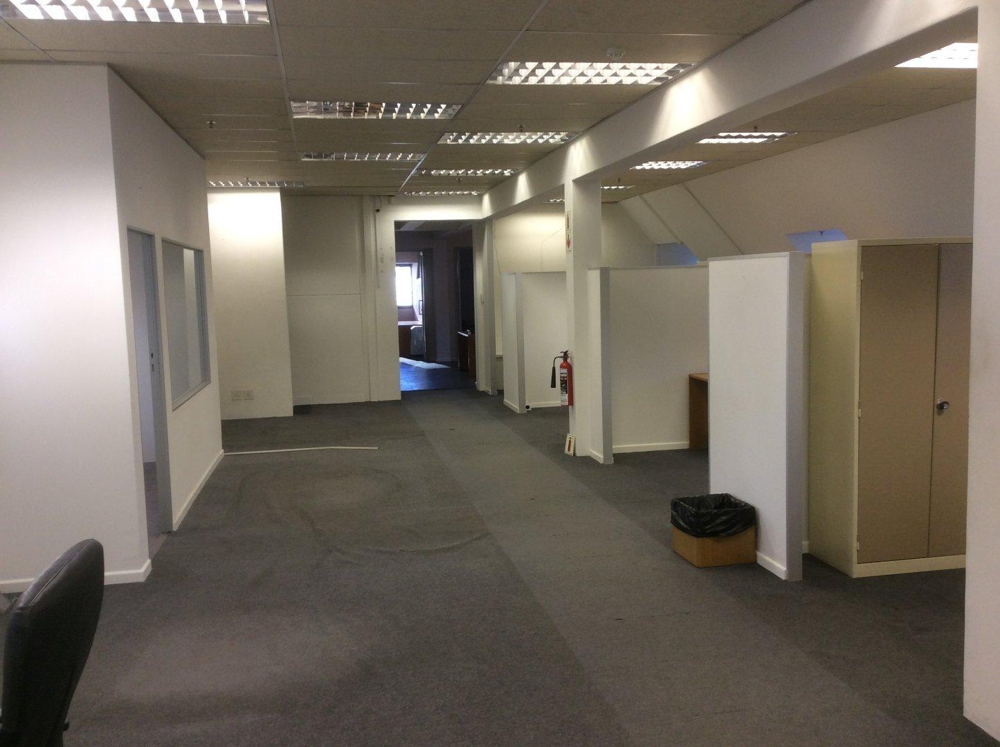 Cape Town City Centre property for sale. Ref No: 13622979. Picture no 32