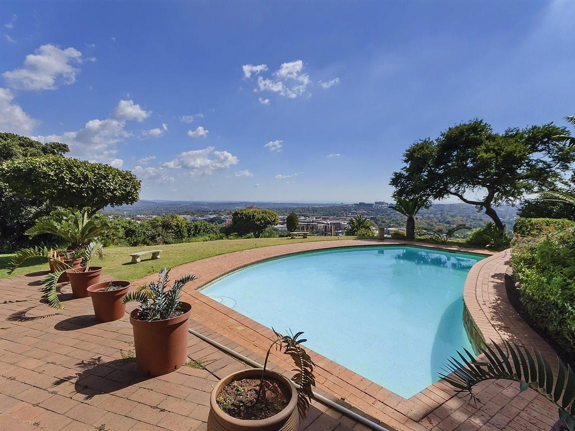 Houghton Estate property for sale. Ref No: 13434554. Picture no 3