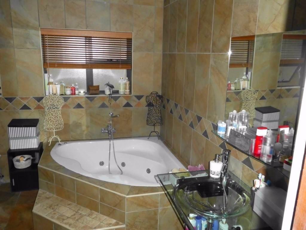 Midstream Estate property for sale. Ref No: 13506205. Picture no 7