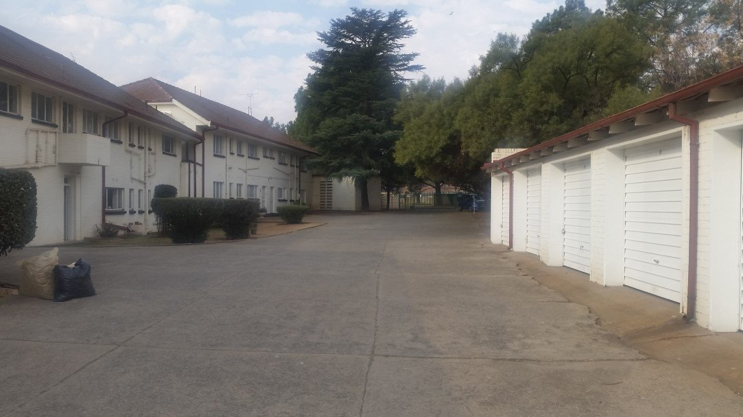 Three Rivers Proper property for sale. Ref No: 13230267. Picture no 11