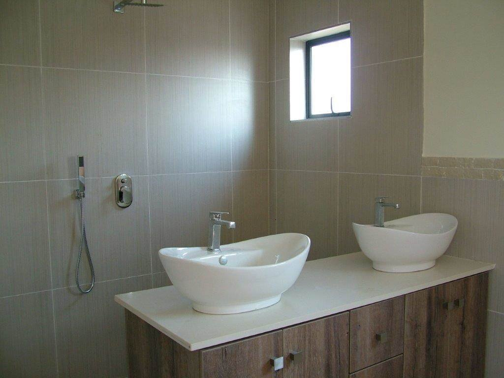 Midstream Ridge Estate property for sale. Ref No: 13500456. Picture no 5