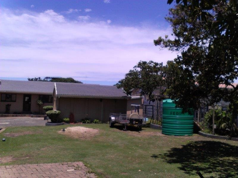 Shelly Beach property for sale. Ref No: 13296036. Picture no 27