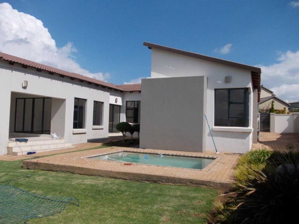 Property and Houses to rent in Gauteng, House, 3 Bedrooms - ZAR , 22,00*,M