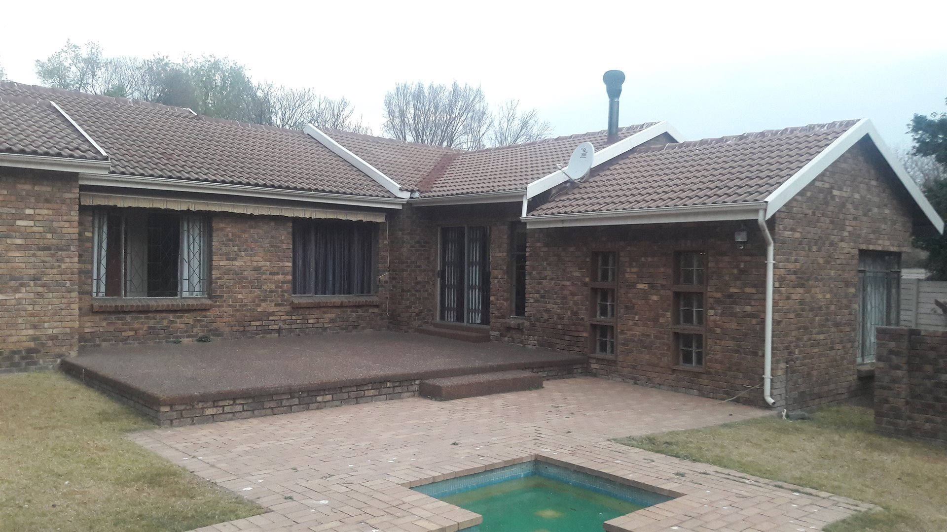 Property and Houses to rent in Buccleuch, House, 3 Bedrooms - ZAR , 16,00*,Q