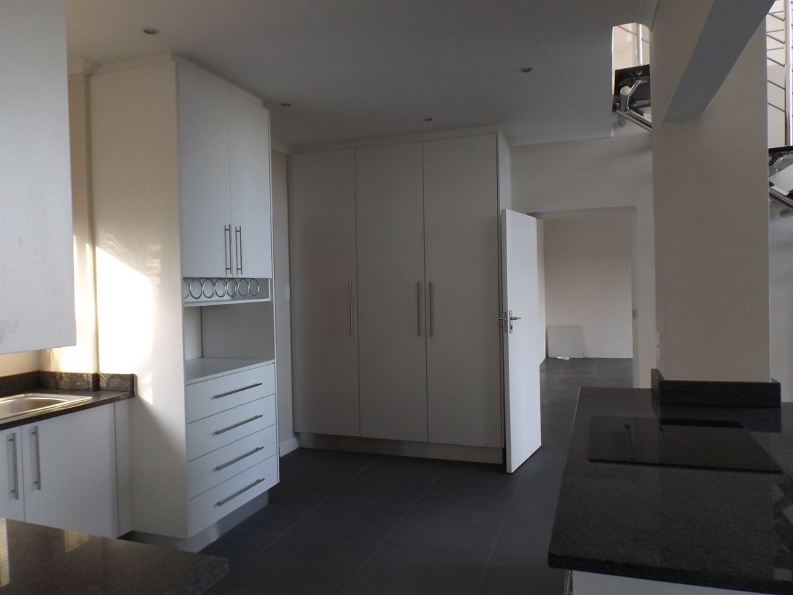Beacon Bay property for sale. Ref No: 13362713. Picture no 5