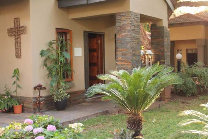 Florauna property for sale. Ref No: 13567183. Picture no 2