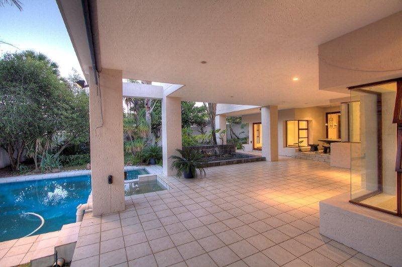 Fourways Gardens property for sale. Ref No: 13401246. Picture no 18