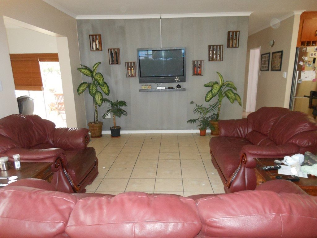 Country Club property for sale. Ref No: 13567857. Picture no 8