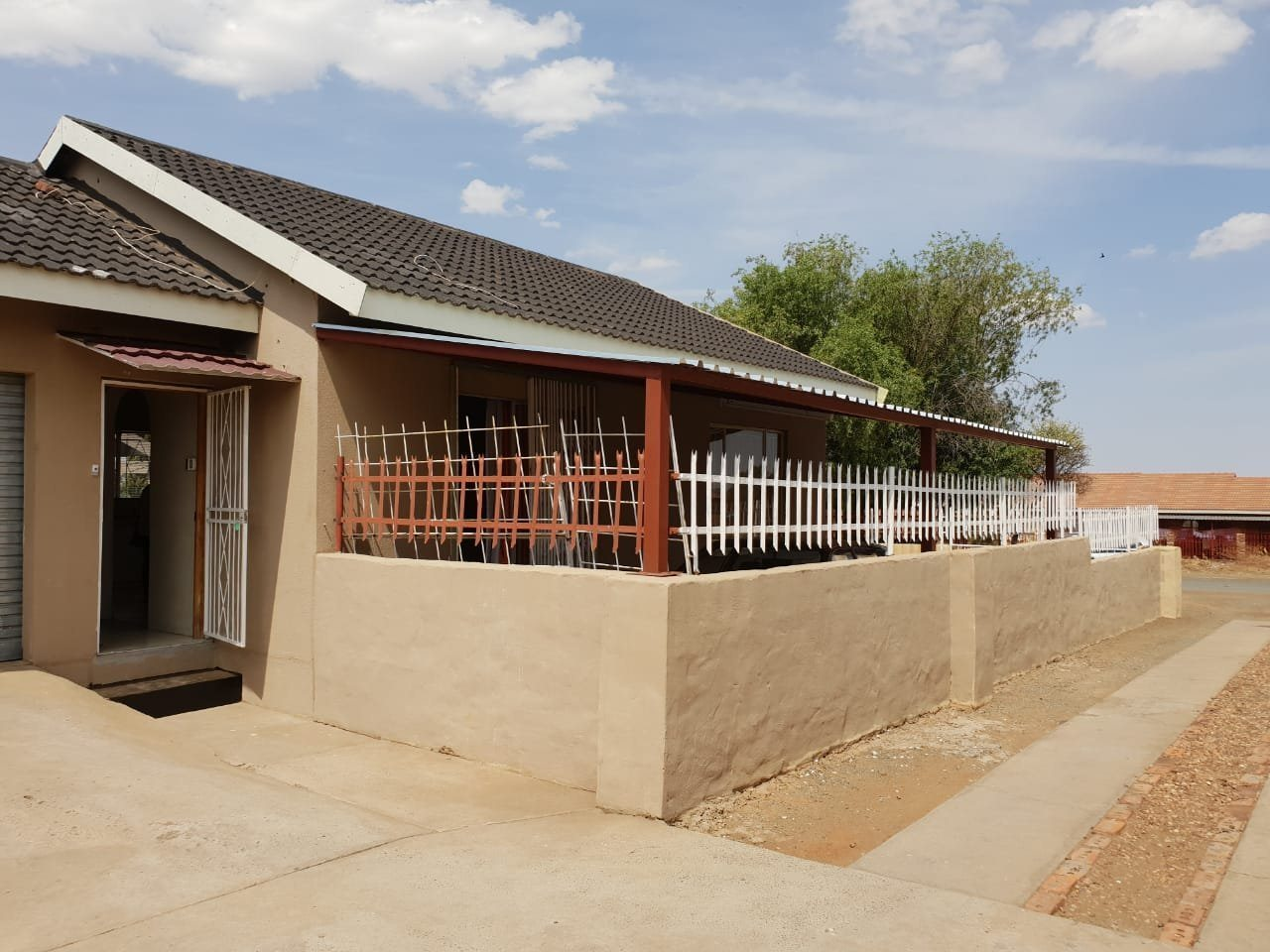 Property and Houses for sale in Northern Cape - Page 7, House, 2 Bedrooms - ZAR 870,000