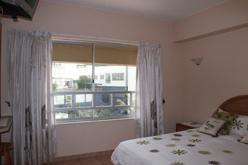 Margate property for sale. Ref No: 13361050. Picture no 5