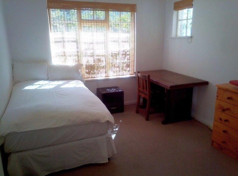 Rondebosch property to rent. Ref No: 13503738. Picture no 9