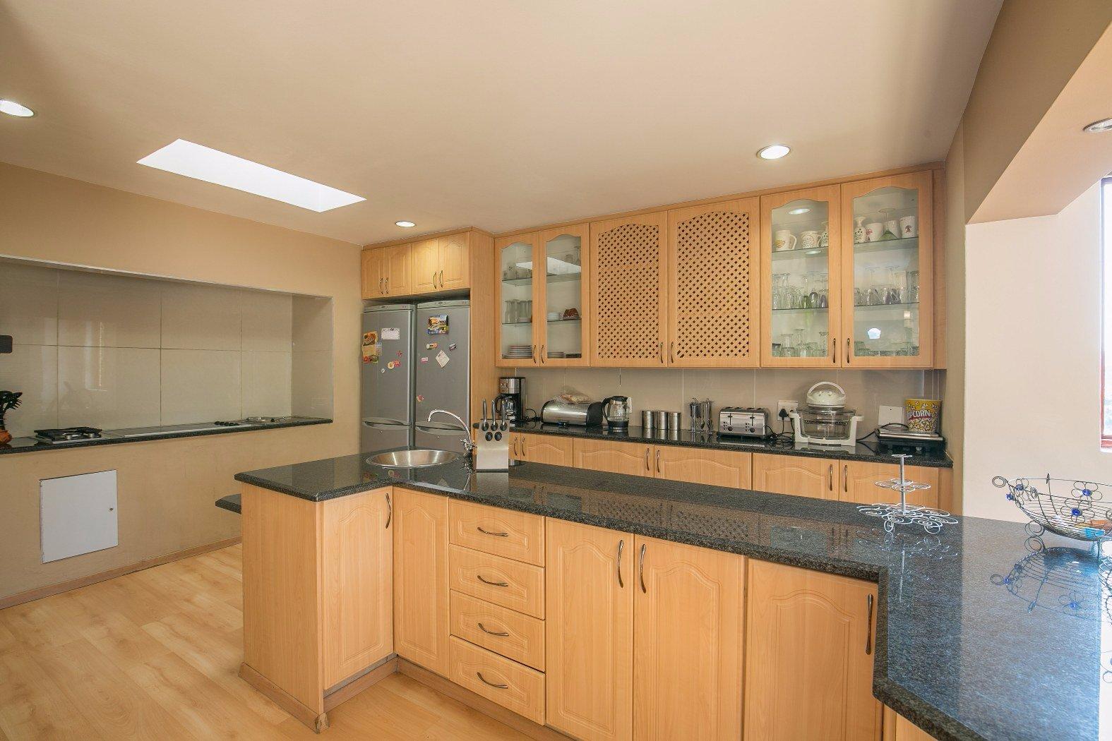 Bassonia property for sale. Ref No: 13506595. Picture no 14