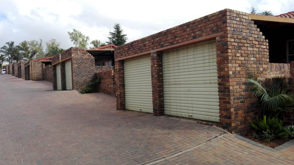 Sandton, Buccleuch Property  | Houses To Rent Buccleuch, Buccleuch, Townhouse 3 bedrooms property to rent Price:, 11,00*