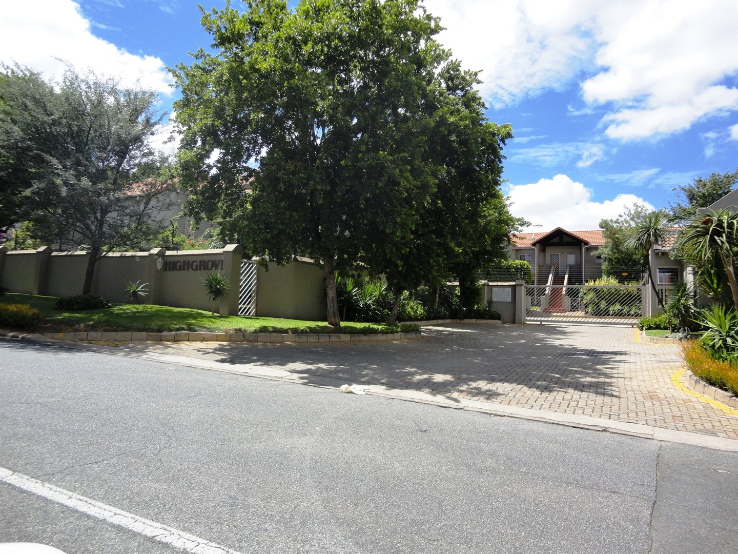 Sandton, Magaliessig Property  | Houses To Rent Magaliessig, Magaliessig, Townhouse 2 bedrooms property to rent Price:,  7,00*