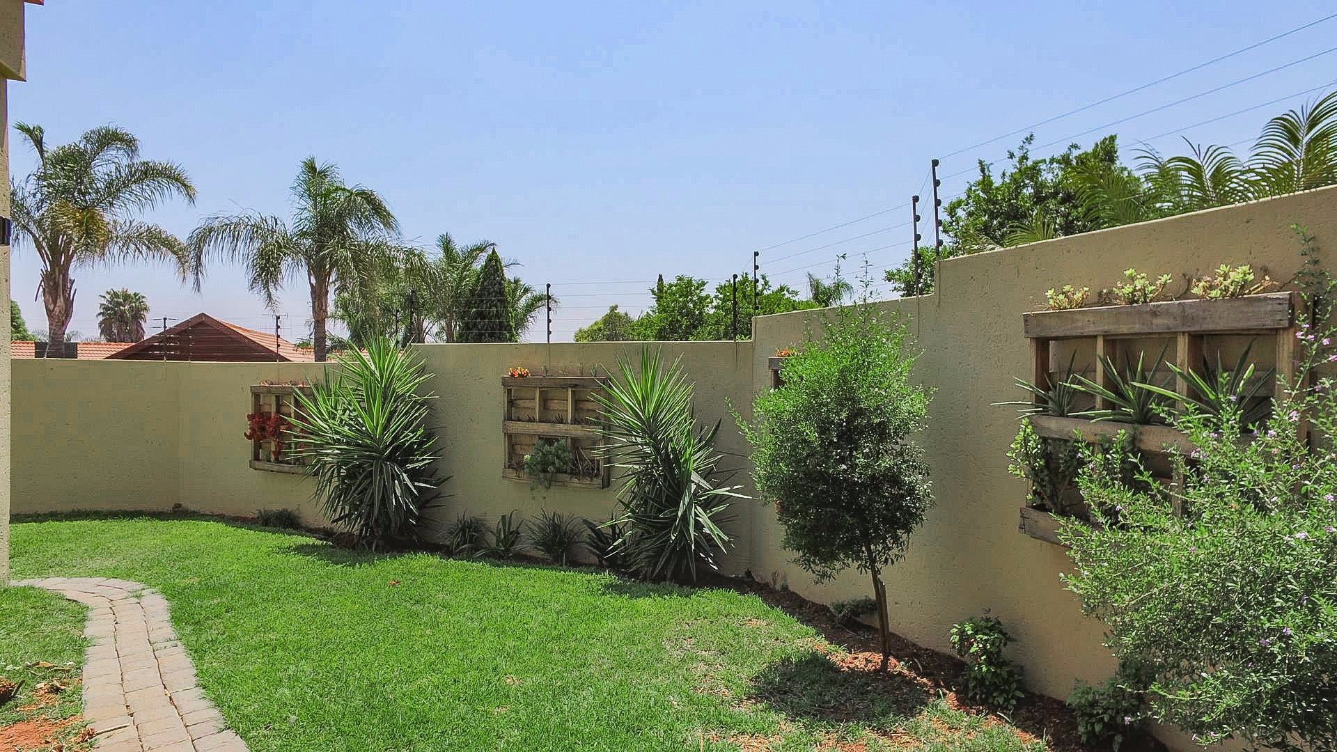 Highveld property for sale. Ref No: 13541901. Picture no 29