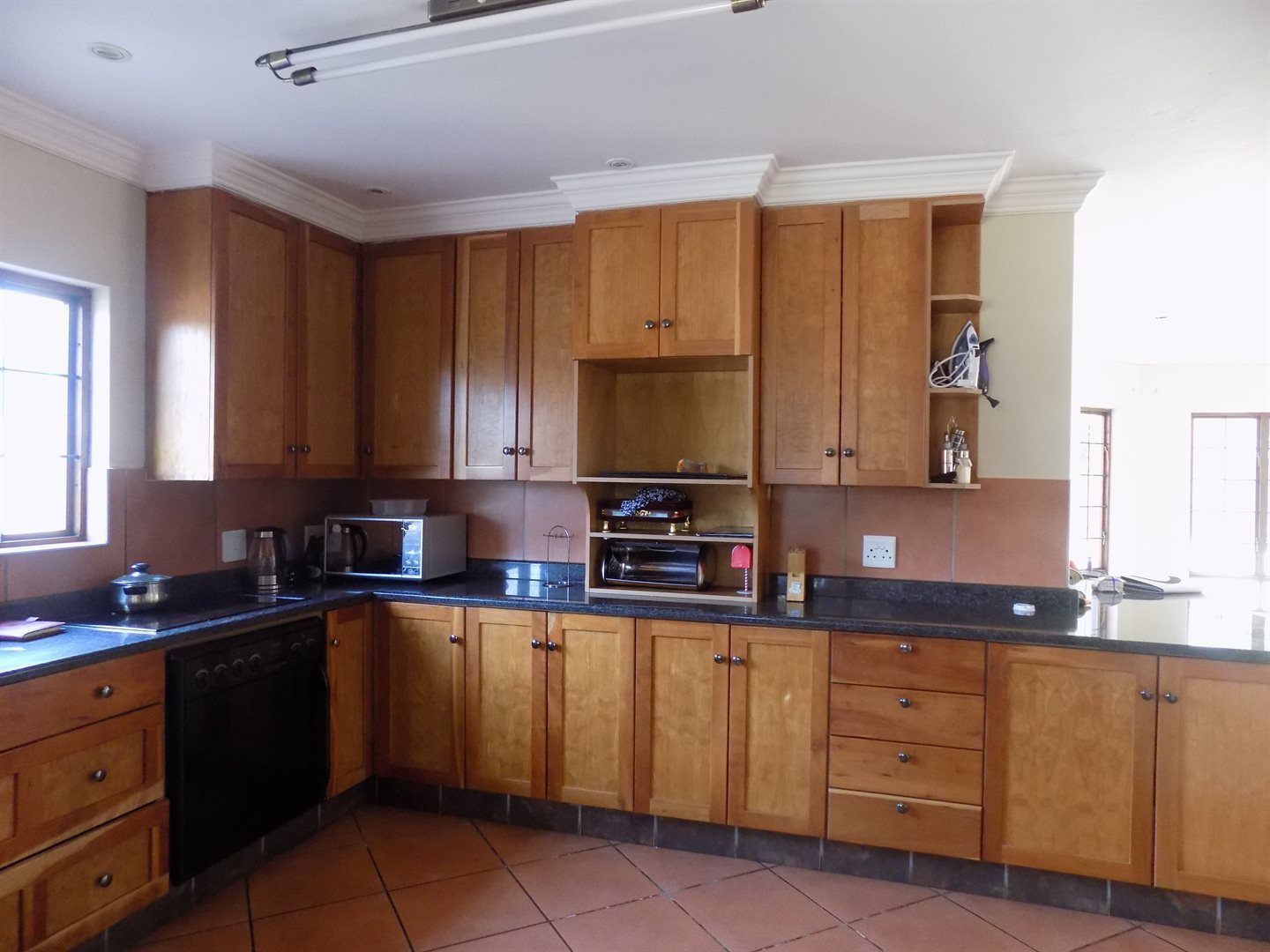 Raslouw Manor property for sale. Ref No: 13535817. Picture no 2
