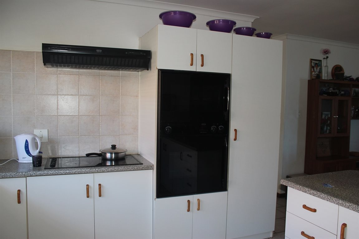 Vredenburg property for sale. Ref No: 13436335. Picture no 6