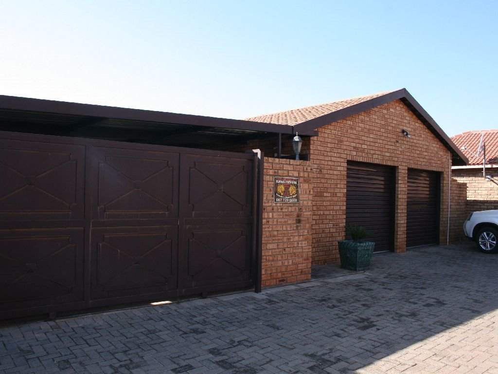 Randfontein, Eike Park Property  | Houses For Sale Eike Park, Eike Park, House 2 bedrooms property for sale Price:1,032,000